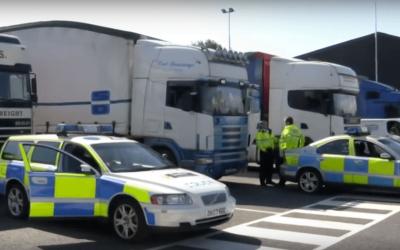 Marea Britanie impune noi reguli pentru pauza de 45h la bordul camionului